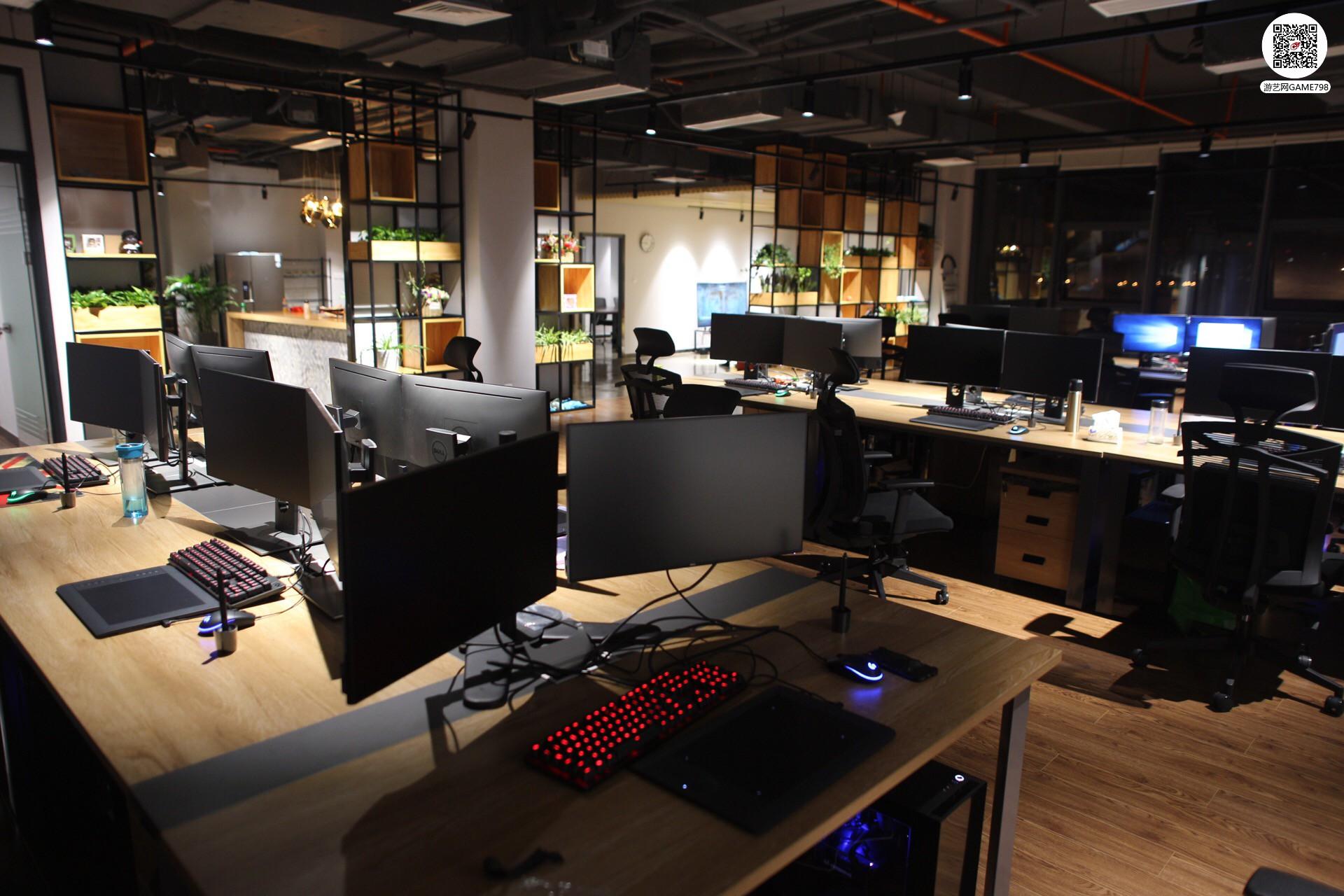电脑区.jpg